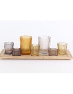 Plateau avec sept petits vases