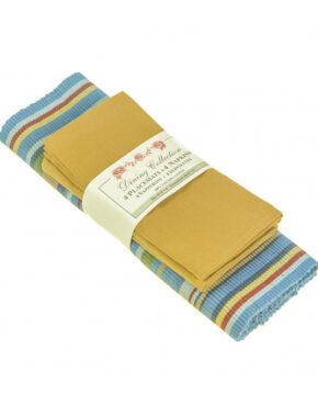 Napperons et serviettes bleus et ocres
